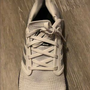 adidas Shoes - Adidas boost. Gently used
